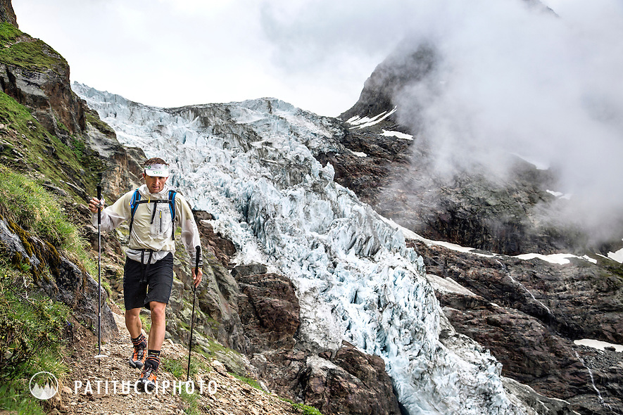 The second 4000 meter peak of the 82 Summits project was the Schreckhorn and Lauteraarhorn traverse, which would get two summits in one day. Ueli Steck and Michi Wohlleben rode bikes to Grindelwald before hiking in to the Schreckhorn Hut in the rain.