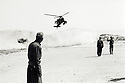 Irak 1991.Arrivée d'un helicoptere américains a Shaklawa.Iraq 1991.American helicopter landing in Shaklawa