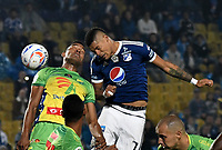 BOGOTA - COLOMBIA, 28–04-2018: Ayron del Valle (Der.) jugador de Millonarios disputa el balón con Eddie Segura (Izq.) jugador de Atlético Huila, durante partido de la fecha 18 entre Millonarios y por la Liga Aguila I 2018, jugado en el estadio Nemesio Camacho El Campin de la ciudad de Bogota. / Ayron del Valle (R) player of Millonarios vies for the ball with Eddie Segura (L) player of Atlético Huila, during a match of the 18th date between Millonarios and Atlético Huila, for the Liga Aguila I 2018 played at the Nemesio Camacho El Campin Stadium in Bogota city, Photo: VizzorImage / Luis Ramírez / Staff.