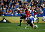 Leon Clarke of Sheffield Utd forces his way through to score during the Championship match at the Hillsborough Stadium, Sheffield. Picture date 24th September 2017. Picture credit should read: Simon Bellis/Sportimage