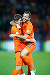 Nederland, Rotterdam, 12 oktober 2012.Kwalificatiewedstrijd WK 2014.Nederland-Andorra .Rafael van der Vaart (r.) van Oranje viert zijn doelpunt (1-0) met Klaas-Jan Huntelaar (l.)