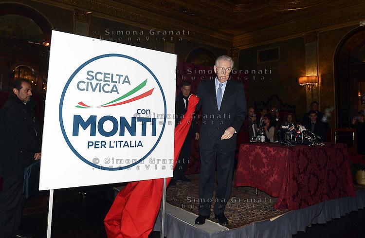 Roma 4 Gennaio 2012.Hotel Plaza.Il presidente del Consiglio Mario Monti presenta il simbolo della sua lista «Scelta civica con Monti per l'Italia»