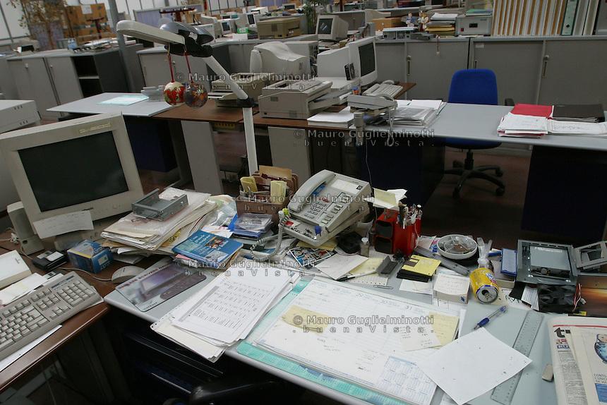 ITALIA- Scarmagno (IVREA) - ex stabilimenti Olivetti -  luogo di lavoro ora chiuso. uffici e capannoni abbandonati
