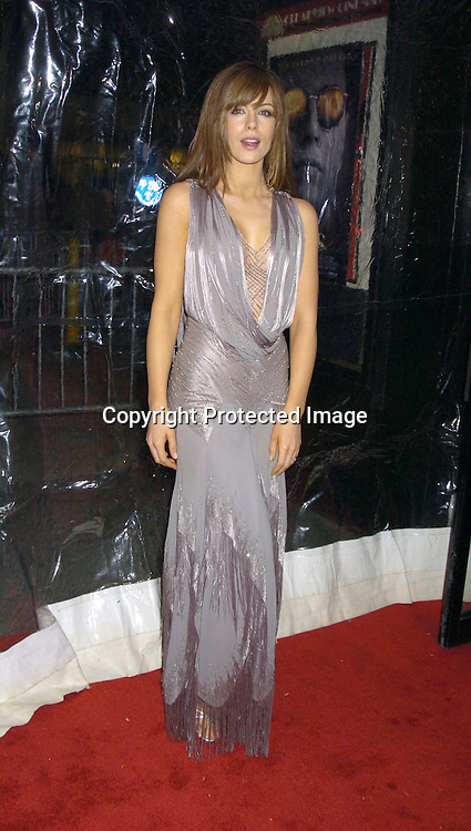 "Kate Beckinsale ..at The New York Premiere of ""The Aviator"" on December 14, 2004 at The Ziegfeld Theatre. ..Photo by Robin Platzer, Twin Images"