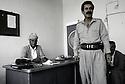 Irak 1991<br />Rast Shawess et Kak Faek au bureau du PDK &agrave; Souleimania<br />Iraq 1991<br />Rast Shawess and Kak Faek  in KDP's office in Suleimania