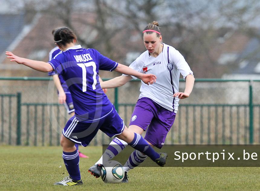 RSC Anderlecht Dames - Beerschot : Nicoletta Aafke Den Ridder aan de bal.foto DAVID CATRY / Vrouwenteam.be