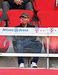23.05.2020, Allianz Arena, nph00250, , München, GER, 1.FBL, FC Bayern München vs Eintracht Frankfurt 23.05.2020 , <br /><br />Nur für journalistische Zwecke!<br /><br />Gemäß den Vorgaben der DFL Deutsche Fußball Liga ist es untersagt, in dem Stadion und/oder vom Spiel angefertigte Fotoaufnahmen in Form von Sequenzbildern und/oder videoähnlichen Fotostrecken zu verwerten bzw. verwerten zu lassen. <br /><br />Only for editorial use! <br /><br />DFL regulations prohibit any use of photographs as image sequences and/or quasi-video..<br />im Bild<br />Ehrentribuene Franz BECKENBAUER ( ex FCB President, captain of honor FCB)   <br />    <br /> Foto: Peter Schatz/Pool/Bratic/nordphoto