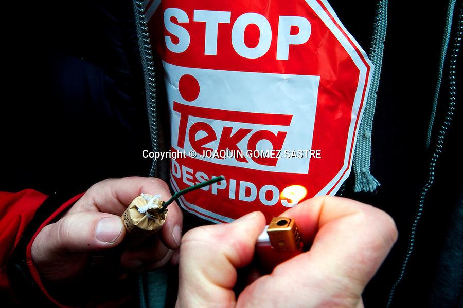 26 ENERO 2012 SANTANDER .Los trabajadores de TEKA  inician su segundo dia de paros y realizan otra marcha hasta delegacion de gobierno .para protestar contra el ERE .foto © JOAQUIN GOMEZ SASTRE