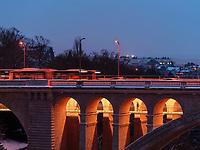 Pont Adolphe über  Vallee de la Petrusse, Luxemburg-City, Luxemburg, Europa, UNESCO-Weltkulturerbe<br /> Pont Adolphe crossing Vallee de la Petrusse, Luxembourg, Luxembourg City, Europe