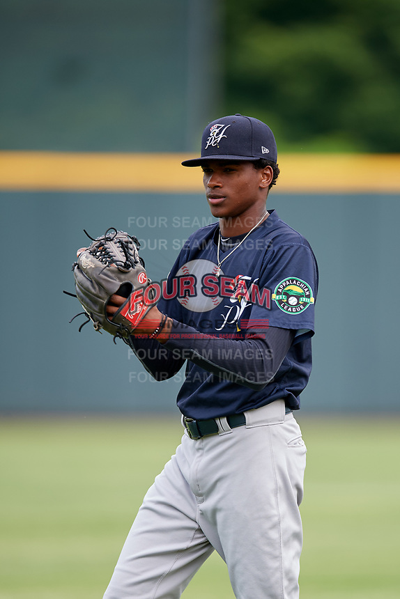 Pulaski Yankees pitcher Alexander Vizcaino (57) warms up before a game against the Greeneville Reds on July 27, 2018 at Pioneer Park in Tusculum, Tennessee.  Greeneville defeated Pulaski 3-2.  (Mike Janes/Four Seam Images)