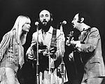Peter Paul and Mary 1969 Mary Travers, Peter Yarrow, Paul Stookey