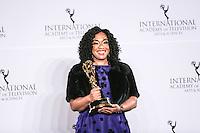 NEW YORK, NY 21.11.2016 - EMMY-2016 - Shonda Rhimes durante tapete vermelho do Emmy Internacional 2016 prêmio dos melhores atores e novelas da TV, em Nova York, nos Estados Unidos na noite desta segunda-feira, 21. (Foto: Vanessa Carvalho/Brazil Photo Press)