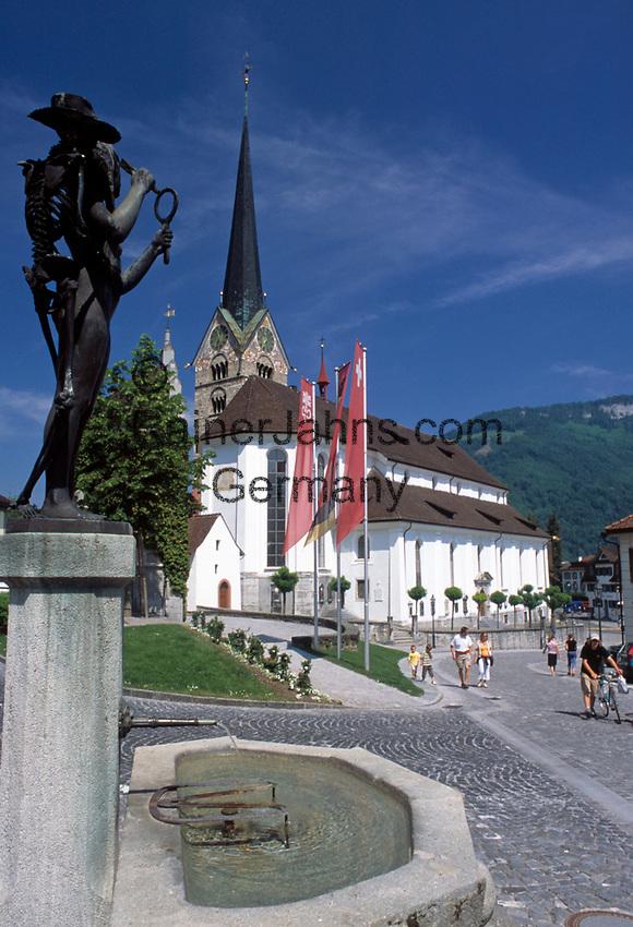 Schweiz, Kanton Schwyz, Stans: beliebter Ferienort mit Pfarrkirche St. Peter und Paul | Switzerland, Canton Schwyz, Stans: famous holiday resort with parish church St. Peter and Paul