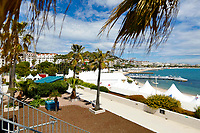 Die Promenade de la Croisette und der Strand während des Festival de Cannes 2019 / 72. Internationale Filmfestspiele von Cannes am Palais des Festivals. Cannes, 13.05.2019