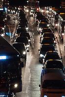 SÃO PAULO-SP-12,09,2014- TRÂNSITO AVENIDA REBOUÇAS - O Motorista enfrenta lentdão na Avenida Rebouças sentido bairro. Região Oeste da cidade de São Paulo,na noite dessa Sexta-Feira,12(Foto:Kevin David/Brazil Photo Press)