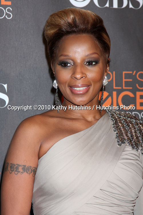 Mary J. Blige.arriving  at the 2010 People's Choice Awards.Nokia Theater.January 6, 2010.©2010 Kathy Hutchins / Hutchins Photo.