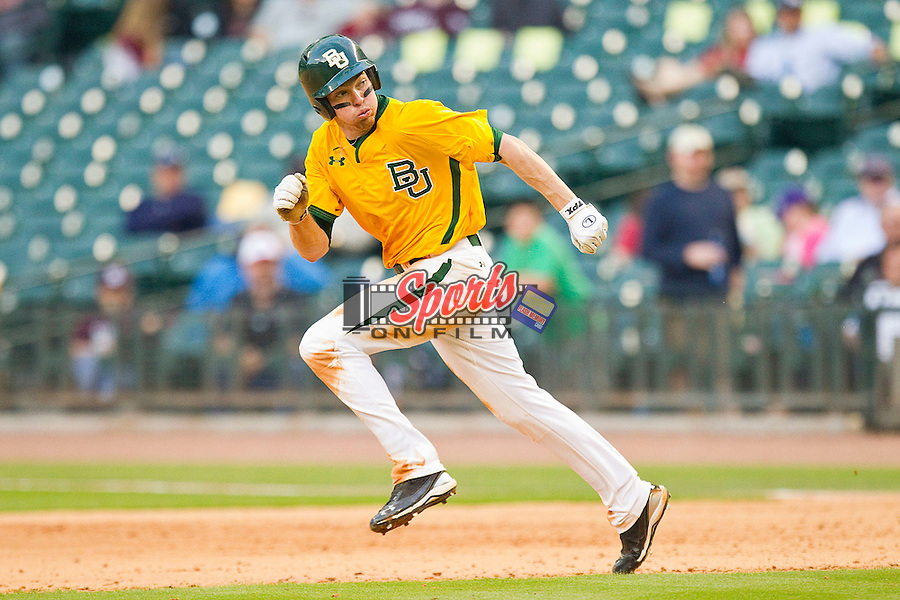Brooks Pinckard #16 of the Baylor Bears takes off for second base during the game against the Rice Owls at Minute Maid Park on March 6, 2011 in Houston, Texas.  Photo by Brian Westerholt / Four Seam Images