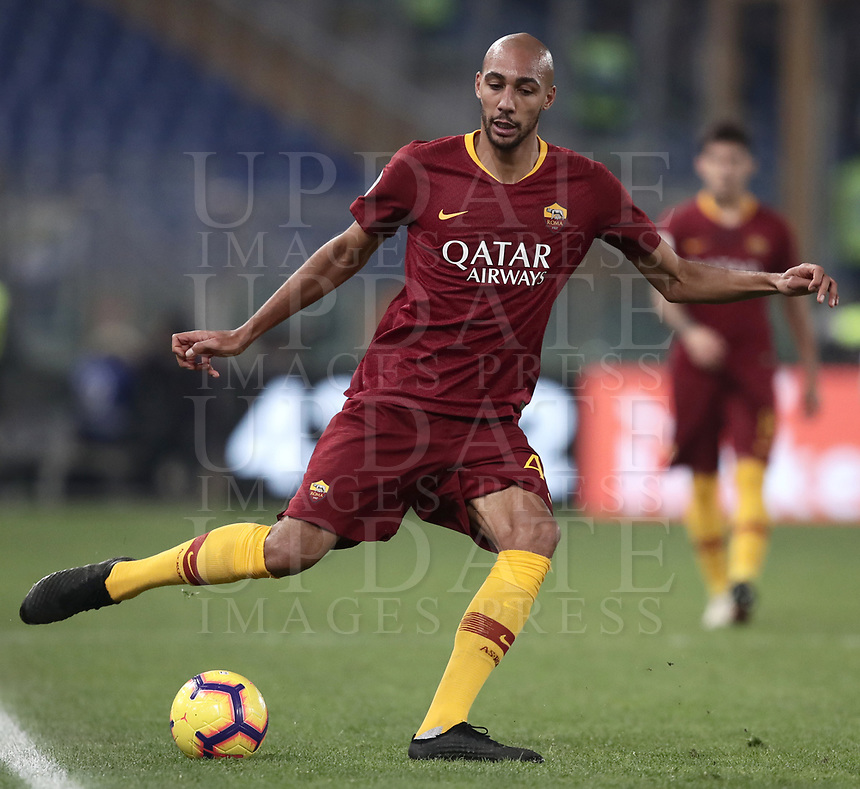 Football, Serie A: AS Roma - InterMilan, Olympic stadium, Rome, December 02, 2018. <br /> Roma's Steven Nzonzi in action during the Italian Serie A football match between Roma and Inter at Rome's Olympic stadium, on December 02, 2018.<br /> UPDATE IMAGES PRESS/Isabella Bonotto