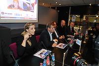 SCHAATSEN: HEERENVEEN: IJsstadion Thialf, 16-11-2012, Persconferentie Friese Consortium 'Yn Streken', vlnr Anni Friesinger, Henk Dedden (Friso), ©foto Martin de Jong