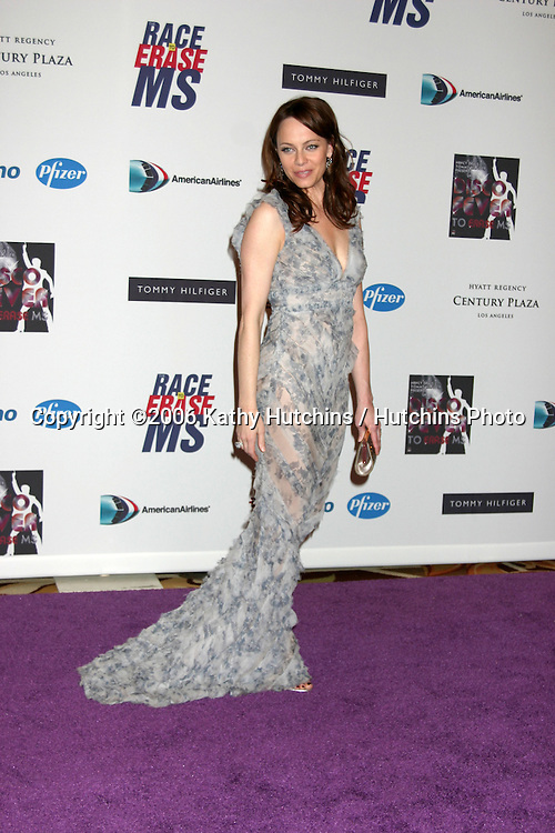 Melinda Clarke arriving at the.13th Annual Race to Erase MS Benefit.Cetnury Plaza Hotel.Century City, CA.May 12, 2006.©2006 Kathy Hutchins / Hutchins Photo....