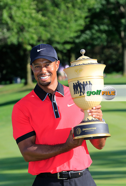 Tiger Woods (USA) wins the tournament by 7 shots with a score of -15 at the end of Sunday's Final Round of the 2013 Bridgestone Invitational WGC tournament held at the Firestone Country Club, Akron, Ohio. 4th August 2013.<br /> Picture: Eoin Clarke www.golffile.ie