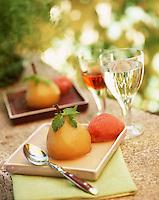 Europe/France/Aquitaine/33/Gironde/Bordeaux: Poires pochées au  Lillet blanc, sorbet au Lillet rouge recette de Jean-Marie Amat