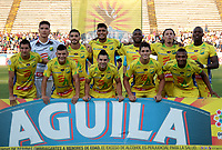 NEIVA-COLOMBIA, 06-04-2019: Los jugadores de Atlético Huila posan para una foto antes de partido entre Atlético Huila y América de Cali, de la fecha 14 por la Liga Aguila, I 2019 en el estadio Guillermo Plazas Alcid de Neiva. / The players of Atletico Huila pose for a photo prior a match between Atletico Huila and America de Cali of the 14th date for the Liga Aguila I 2019 at the Guillermo Plazas Alcid Stadium in Neiva city. Photo: VizzorImage  / Sergio Reyes / Cont.