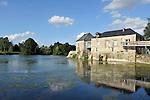 Villevêque (49) : Vue sur le Moulin de Froment.