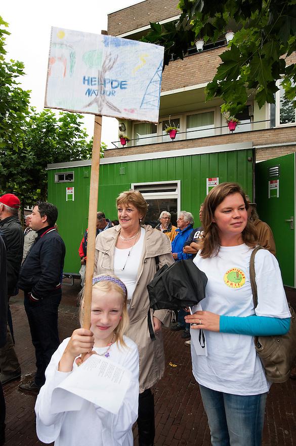 Nederland, Boxtel, 14 sept  2013<br /> Manifesatie tegen schaliegas proefboringen in  Boxtel. Tegenstanders van schaliegas<br /> Foto(c): Michiel Wijnbergh