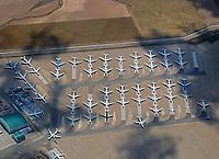 Flugzeugabstellplatz Teruel: SPANIEN, ARAGONIEN,TERUEL, 17.07.2018: Flugzeugabstellplatz Teruel