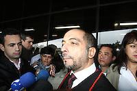 SAO PAULO, SP, 25 DE JUNHO DE 2013 -  CASO BIANCA CONSOLI - Promotor Nelson Santos sai do julgamento do motoboy Sandro Dota, no Fórum Criminal da Barra Funda em São Paulo, SP, nesta terça-feira (23). Ele é acusado de matar a estudante Bianca Consoli, 19 anos, em setembro de 2011. FOTO: MAURICIO CAMARGO / BRAZIL PHOTO PRESS