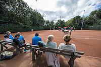 Hilversum, Netherlands, August 8, 2016, National Junior Championships, NJK, Parents looking<br /> Photo: Tennisimages/Henk Koster