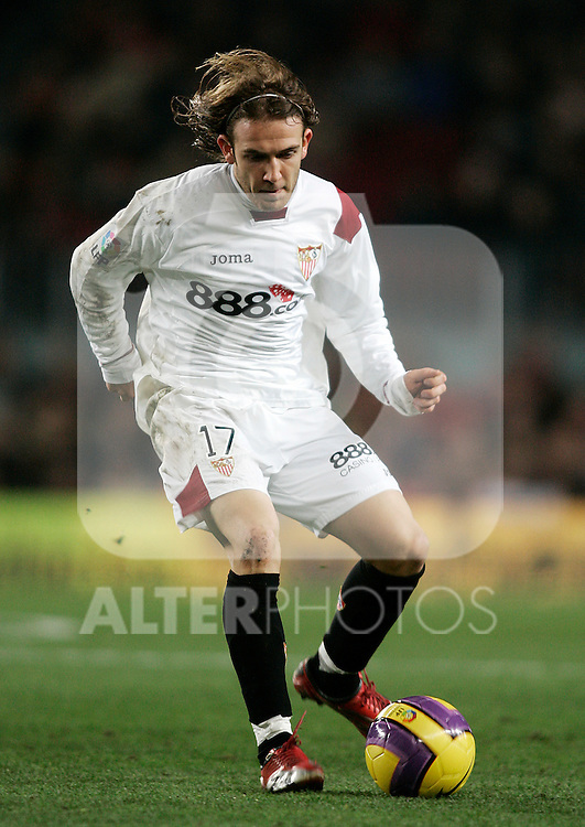 Sevilla's Diego Capel during the Spanish King's Cup match between FC Barcelona and Sevilla at Nou Camp Stadium in Barcelona, January 15 2008. (ALTERPHOTOS/Acero).