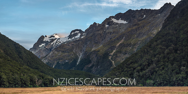 Dawn over Humboldt Mountains as seen from Routeburn Flats on Routeburn Track, Mt. Aspiring National Park, UNESCO World Heritage Area, Central Otago, New Zealand, NZ
