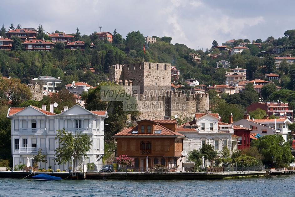 Europe/Turquie/Istanbul : Quartier Anadolu Hisari forteresse d'Anatolie sur la rive orientale du Bosphore