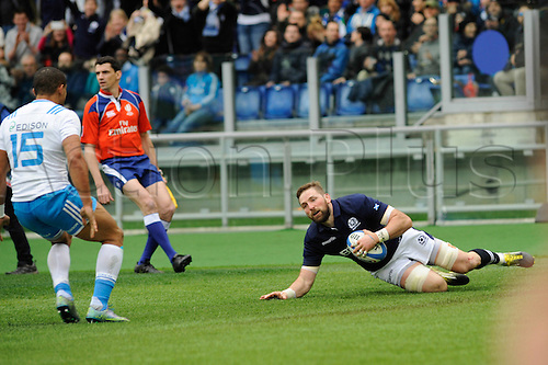 27.02.2016. Stadio Olimpico, Rome, Italy. RBS Six Nations Championships. Italy versus Scotland. BARCLAY JOHN scores Scotland first try