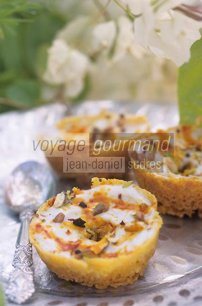"""Asie/Inde/Rajasthan/Udaipur: Hotel """"Taj Lake Palace"""" sur le lac Pichola - Recette """"Malai Ghewar"""" - nid au lait concentré, safran et fruits secs"""