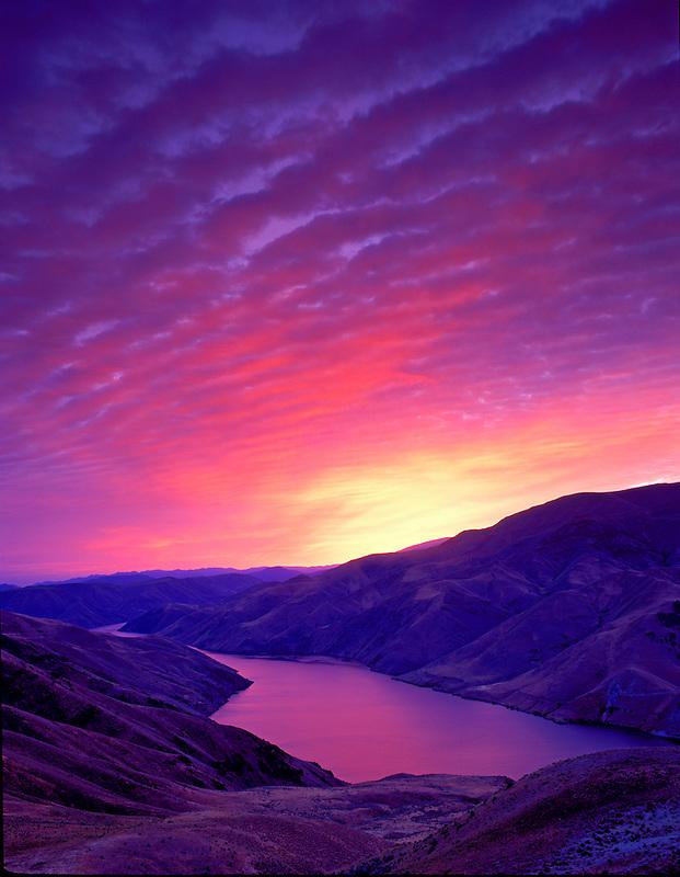 M00444M.tiff   Sunrise and Snake River. Near Richland, Oregon