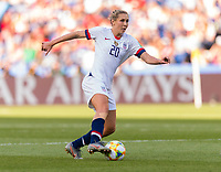 PARIS,  - JUNE 16: Allie Long #20 passes the ball during a game between Chile and USWNT at Parc des Princes on June 16, 2019 in Paris, France.