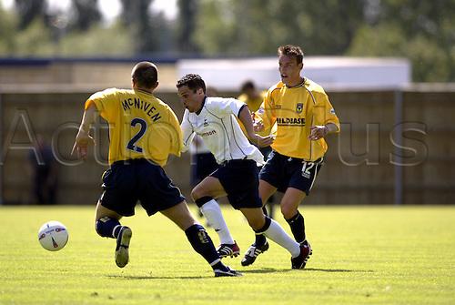 20th July 2003: MATTHEW ETHRINGTON runs toward the ball, Oxford United 0 v TOTTENHAM HOTSPUR 3, Pre-Season Friendly, Kassam Stadium. Photo: Glyn Kirk/Action Plus...2003 .Soccer Football.Footballer footballers player players.030720