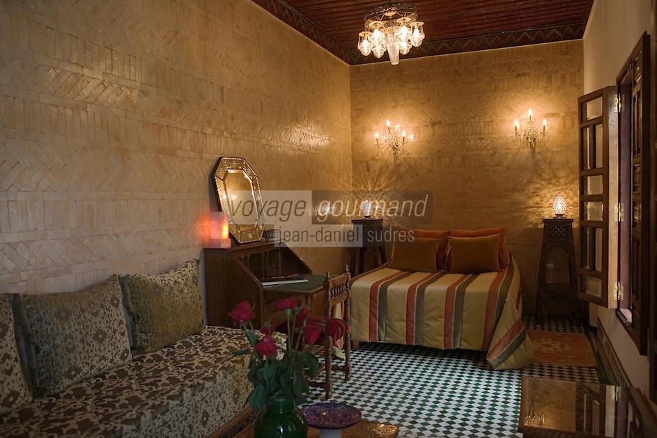 Afrique/Afrique du Nord/Maroc/Fèz: dans la médina Riad Palais de Fez ou Dar Tazi détail d'une chambre