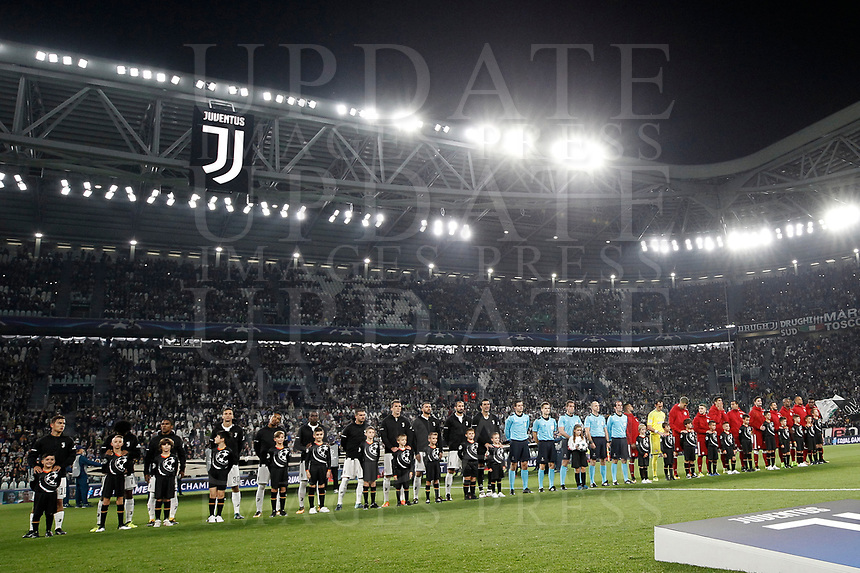 Football Soccer: UEFA Champions League Juventus vs Olympiacos Allianz Stadium. Turin, Italy, September 27, 2017. <br /> Juventus and Olympiacos teams line up prior to the start of the Uefa Champions League football soccer match between Juventus and Olympiacos at Allianz Stadium in Turin, September 27, 2017.<br /> UPDATE IMAGES PRESS/Isabella Bonotto