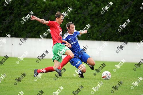 2015-07-26 / Voetbal / seizoen 2015-2016 / KFC Nijlen - Berg en Dal / Jens Van der Sanden (l. Berg en Dal) met Jef Luyten<br /><br />Foto: Mpics.be