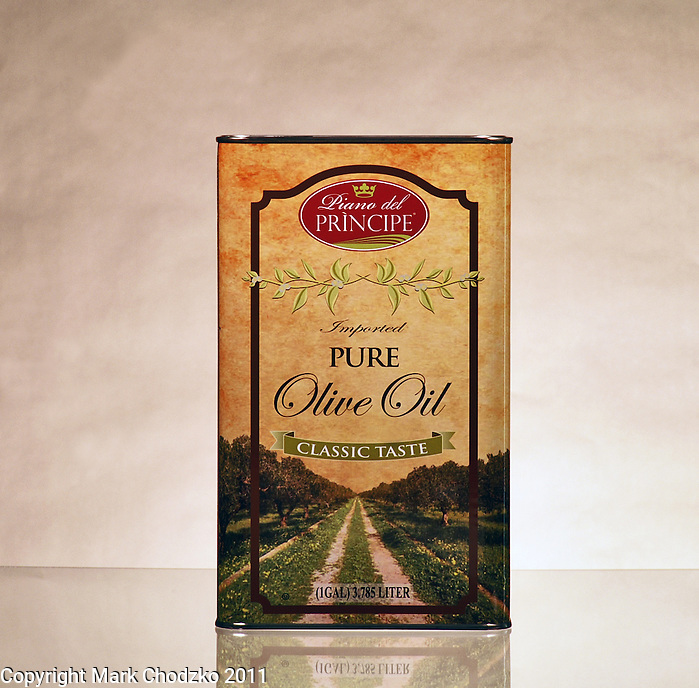 Castle Importing olive oil product.