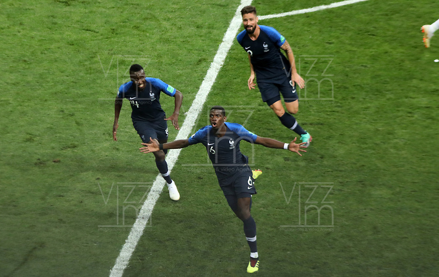 MOSCU - RUSIA, 15-07-2018: Paul POGBA (#6) jugador de Francia celebra después de anotar el tercer gol de su equipo a Croacia durante partido por la final de la Copa Mundial de la FIFA Rusia 2018 jugado en el estadio Luzhnikí en Moscú, Rusia. / Paul POGBA (#6) player of France celebrates after scoring the thisd goal of  his team to Croatia during match of the final for the FIFA World Cup Russia 2018 played at Luzhniki Stadium in Moscow, Russia. Photo: VizzorImage / Cristian Alvarez / Cont