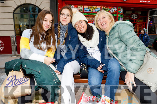 Ballybunion residents by way of Spain, Sophia Lozano, Laura Sanchez and Lea Gallego with Maggie Hayes