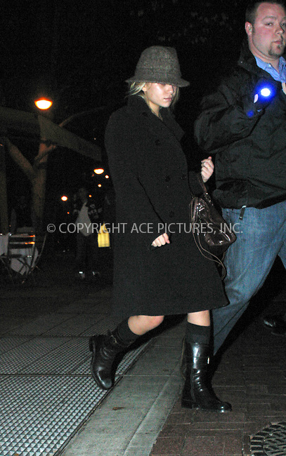 WWW.ACEPIXS.COM ** ** ** ..EXCLUSIVE -- New York, November 22, 2004: Mary-Kate Olsen exiting Da Silvano Restaurant after having late dinner with a group of friends. Please byline: Alecsey Boldeskul -- ACE PICTURES.   .. *** ***  ..Ace Pictures, Inc  ** ..Alecsey Boldeskul (646) 267-6913 **..Philip Vaughan (646) 769-0430 **..e-mail: info@acepixs.com..web: http://www.acepixs.com