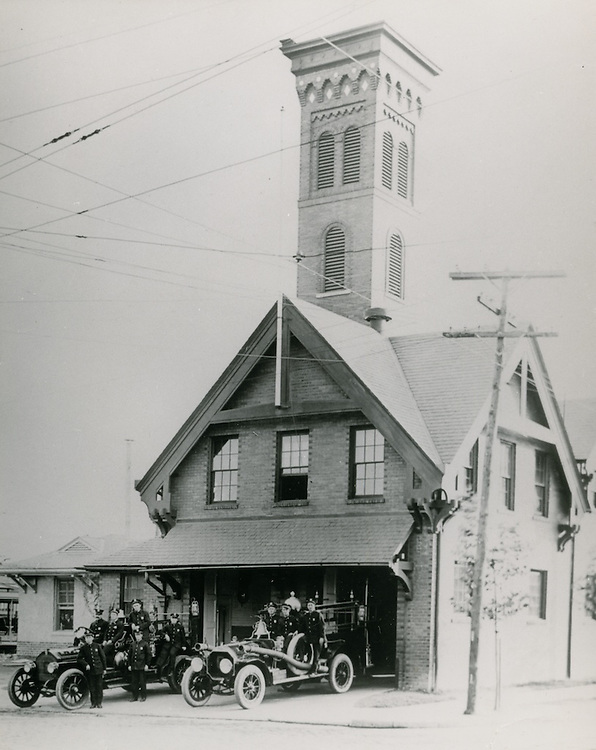 "UNDATED..Historical..Fire Station.""First pumping Engine"".1915 ?...NEG#.NRHA#.."