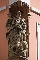 Europe/Allemagne/Bade-Würrtemberg/Heidelberg: détail satue baroque sur la Hauptstrasse