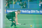 The Hague, Netherlands, June 03: Phil Burrows #18 of New Zealand warms up before the field hockey group match (Men - Group B) between South Africa and the Black Sticks of New Zealand on June 3, 2014 during the World Cup 2014 at GreenFields Stadium in The Hague, Netherlands. Final score 0:5 (0:3) (Photo by Dirk Markgraf / www.265-images.com) *** Local caption ***